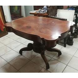 Bīdermeijera stila sarkankoka galds