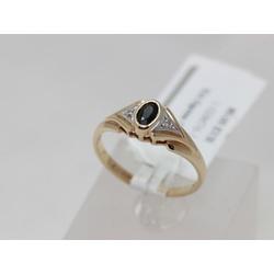 Zelta gredzens ar 2 briljantiem, safīru