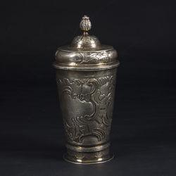 1760. gada sudraba kauss ar vāku