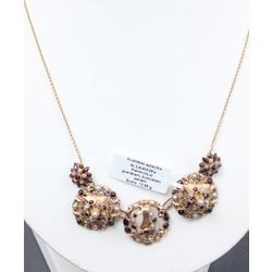 Zelta kaklarota ar granātiem un kultivētām pērlēm