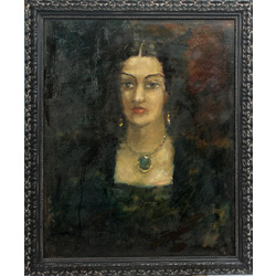 Sievietes portrets ar smaragda kaklarotu