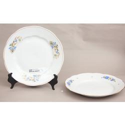 2 porcelāna šķīvji servēsanai