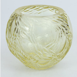 Dzeltenā stikla vāzīte