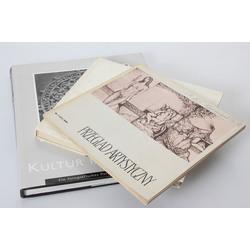 3 grāmatas poļu, čehu un vācu valodā