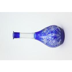 Zila stikla karafe
