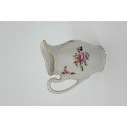Apgleznots porcelāna krējuma trauciņš