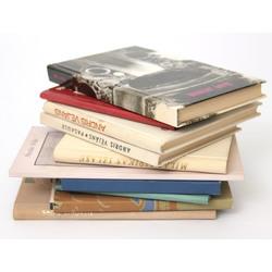 10 grāmatas