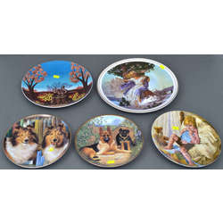 Porcelāna dekoratīvie šķīvji (5 gab.)