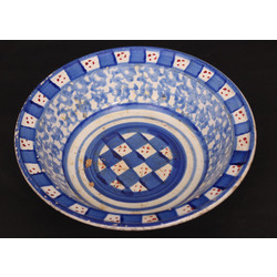 Apgleznota porcelāna bļoda