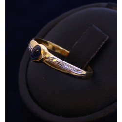 Gold ring with diamonds and sapphire