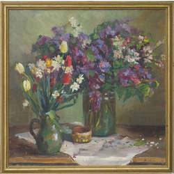 Klusā daba ar ziediem vāzēs