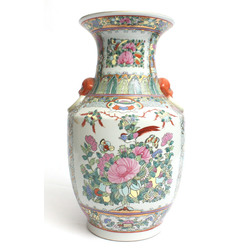 Dekoratīva porcelāna vāze