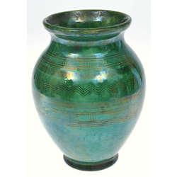 Keramikas vāze zaļā krāsā