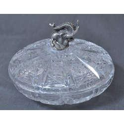 Kristala saldumu trauks ar apsudrabotu zilonīti