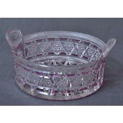 Kristalstikla trauks art deko stilā