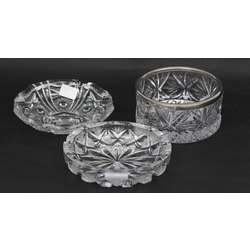 3 kristāla trauki