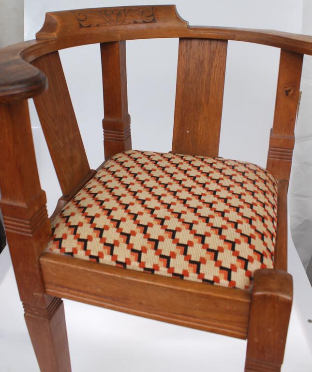 Ozolkoka stūra krēsls